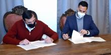 Diputación y Ayuntamiento firman un convenio para la promoción de 55 viviendas protegidas en Albacerrado