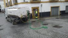 El Ayuntamiento continúa con la limpieza y desinfección en calles y zonas «sensibles»