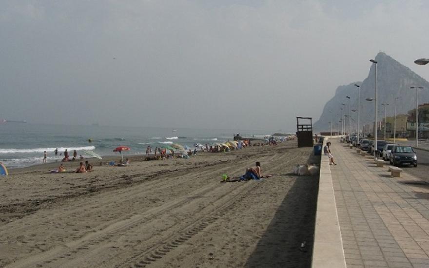 Imagen de la costa de levante de la ciudad de La Línea