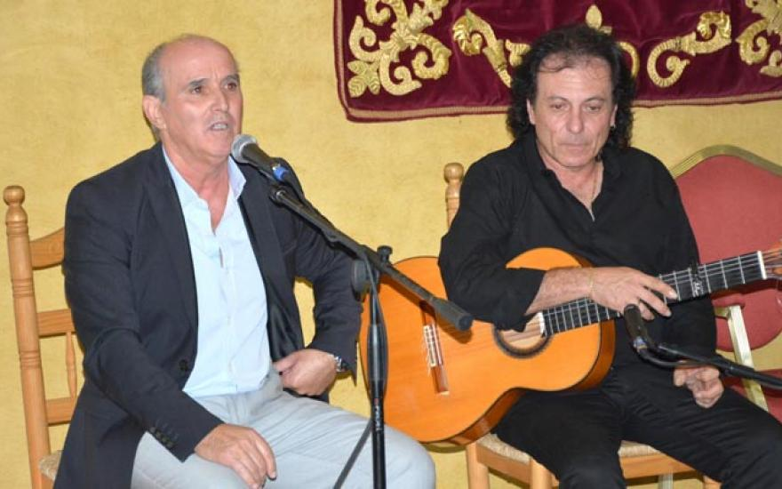 Juan Delgado actuando en la Bienal Canela de San Roque. Al toque, Antonio Carrión