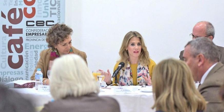 Ana Mestre, en el 'Café con...' que organiza la CEC