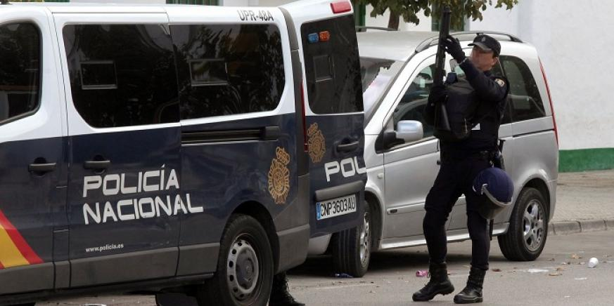 La Policía detiene a dos personas durante la intervención de un almacén de hachís en Algeciras