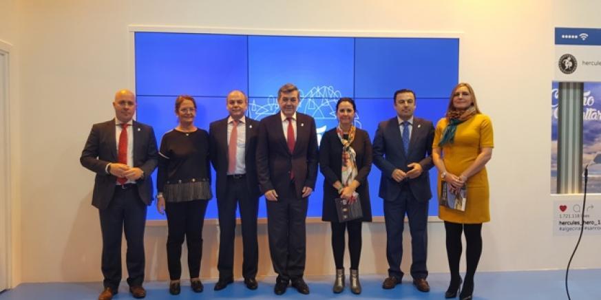 El presidente de la Mancomunidad con parte del equipo de gobierno