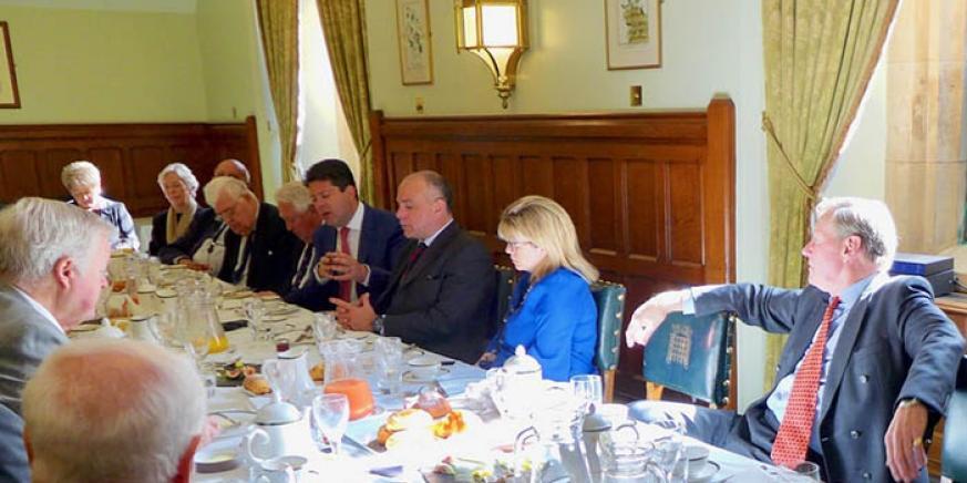 Picardo, en la reunión con parlamentarios británicos en Londres